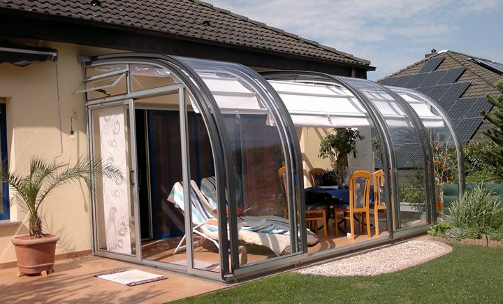 Wir sind Ihr Terrassendach und Terrasenüberdachung Anbieter.